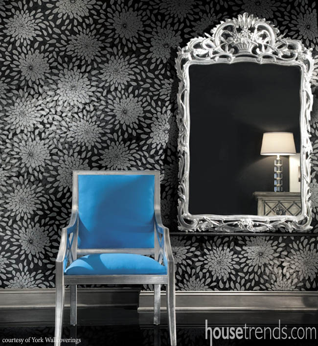 Wallpaper design draws eyes