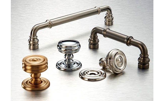 Transitional kitchen hardware blends classic charm and modern style