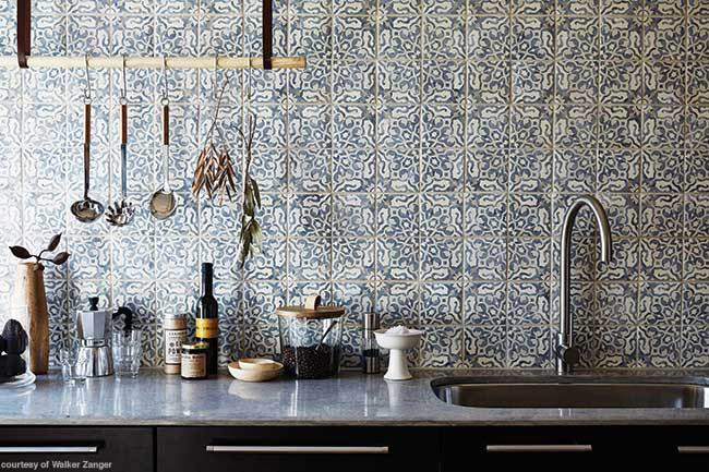 Field tile backsplash with vintage flair